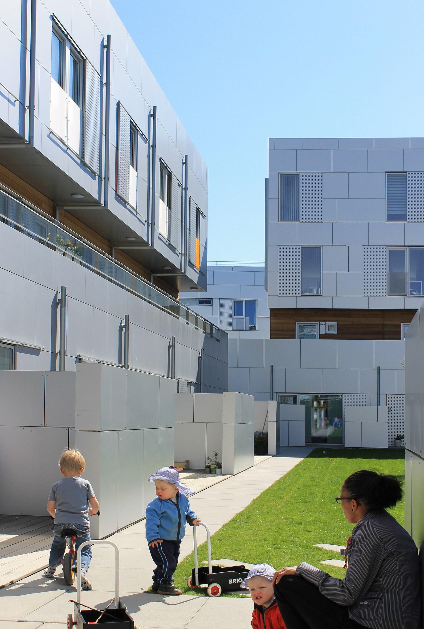 architect prefabricated housing general housing plus arkitekt ONV arkitekter præfabrikeret bolig almen bolig plus koncept præfab bolig Signalgården Købenahavn